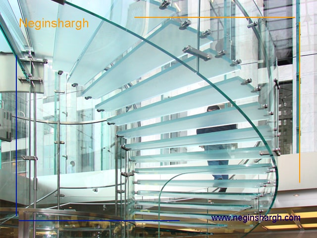 راه پله شیشه ای گرد